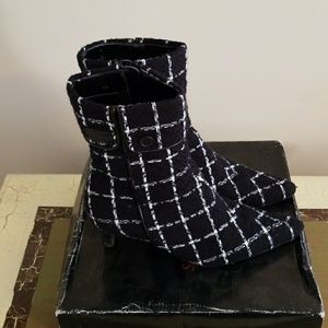 Newport News Black and White Boots